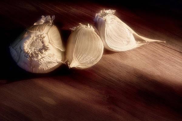 Wall Art - Photograph - Garlic Cloves by Tom Mc Nemar
