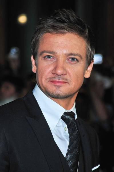 Jeremy Photograph - Jeremy Renner At Arrivals For The Town by Everett