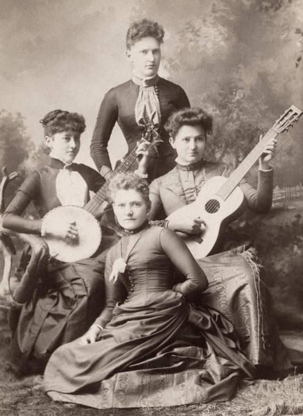 Photograph - Musicians by Granger