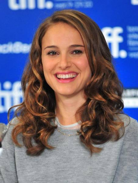 Wall Art - Photograph - Natalie Portman At The Press Conference by Everett