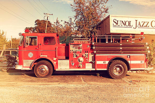 Photograph - Old Whitney Seagrave Fire Engine At The Sunol Jazz Cafe In Sunol California . 7d10785 by Wingsdomain Art and Photography