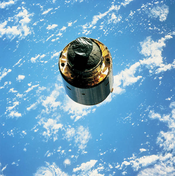 Satellite Image Wall Art - Photograph - Satellite In Orbit Around The Earth by Stockbyte