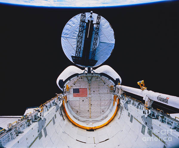 Photograph - Space Shuttle Columbia by Science Source