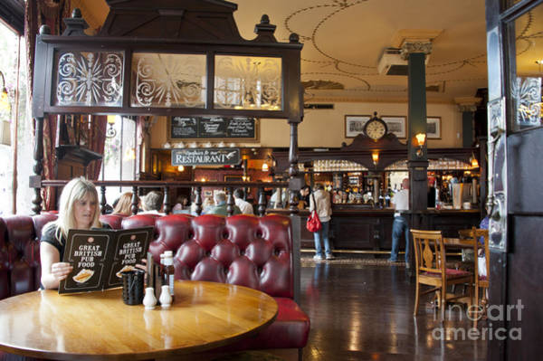 Wall Art - Photograph - The Albert Pub London by Donald Davis