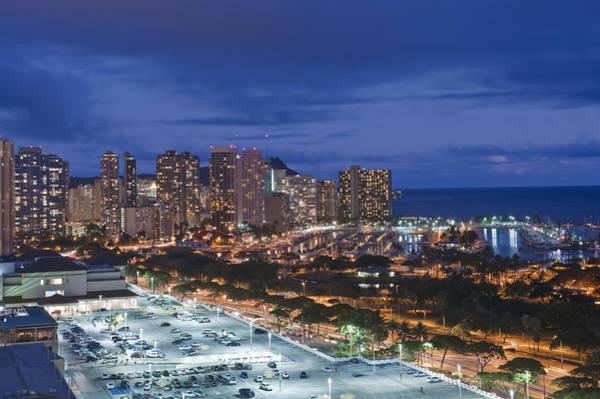 Wall Art - Photograph - Usa Hi Honoluluwaikiki Skyline by Rob Tilley