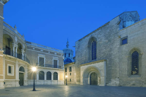Wall Art - Photograph - Valencia Cathedral At Dawn. Gothic by Rob Tilley