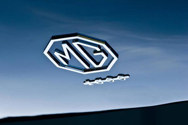Photograph - 1959 Mg A 1600 Roadster Emblem by Jill Reger