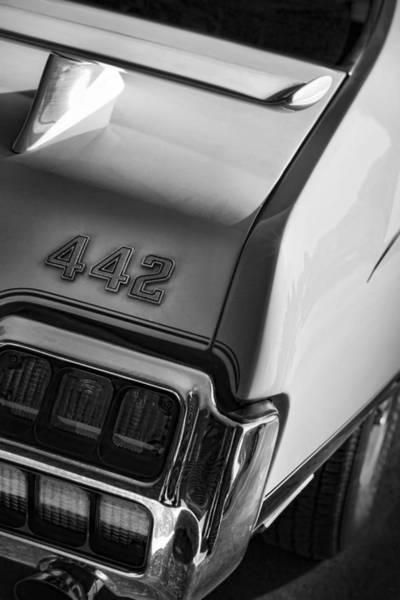 Oldsmobile 442 Wall Art - Photograph - 1972 Oldsmobile Cutlass 442 by Gordon Dean II