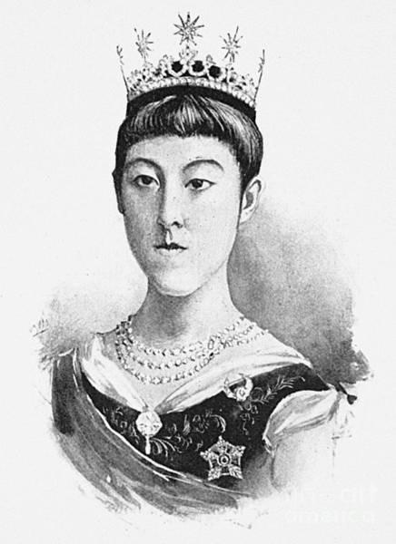 Emperor Of Japan Wall Art - Photograph - Empress Haruko (1859-1914) by Granger