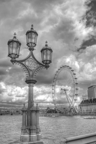 Nikon D5000 Photograph - London Eye by Chris Day