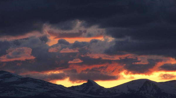 Photograph - Mountain Sunset by Eric Dee