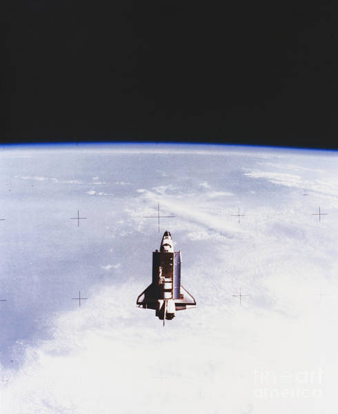 Photograph - Space Shuttle Challenger by Science Source