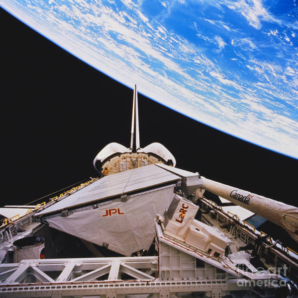 Photograph - Space Shuttle Endeavour by Science Source