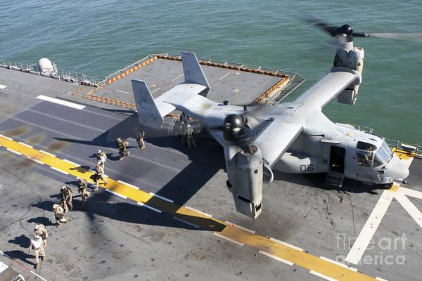 Mv-22 Photograph - A Mv-22 Osprey Skillfully Lands by Stocktrek Images
