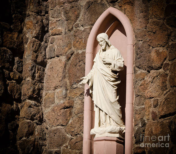 Photograph - A Statue Of Christ by Donna Greene