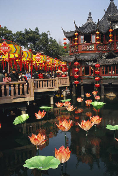 Chinese New Year Photograph - A Tea House In Shanghais Yuyuan Garden by Justin Guariglia