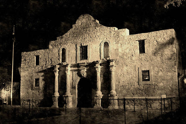 Photograph - Alamo Vintage by Sarah Broadmeadow-Thomas