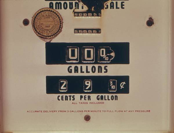Energy Crisis Photograph - An Abandoned Gasoline Pump With A Price by Everett