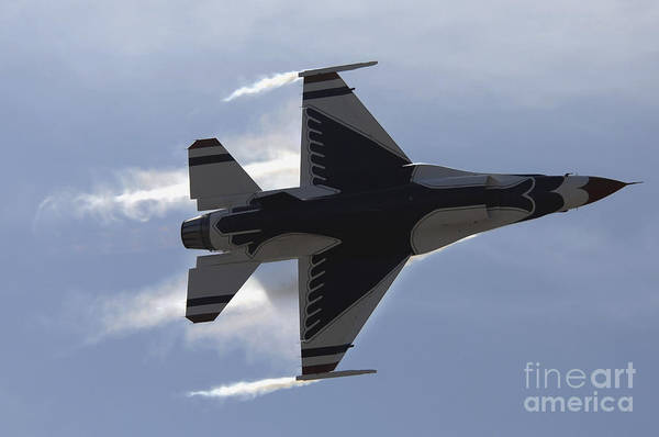 Photograph - An F-16 Fighting Falcon Pulls High Gs by Stocktrek Images