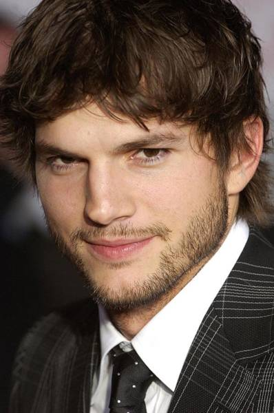 Jared Wall Art - Photograph - Ashton Kutcher At Arrivals For What by Everett