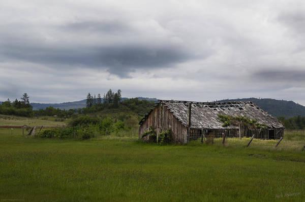 Shady Cove Photograph - Barn Near Shady Cove by Mick Anderson