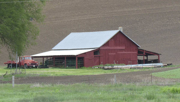 Photograph - Barns Of The Palouse 4 by Tony and Kristi Middleton