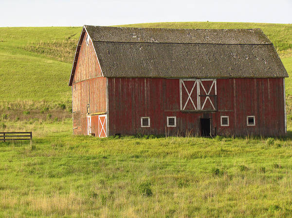 Photograph - Barns Of The Palouse 7 by Tony and Kristi Middleton