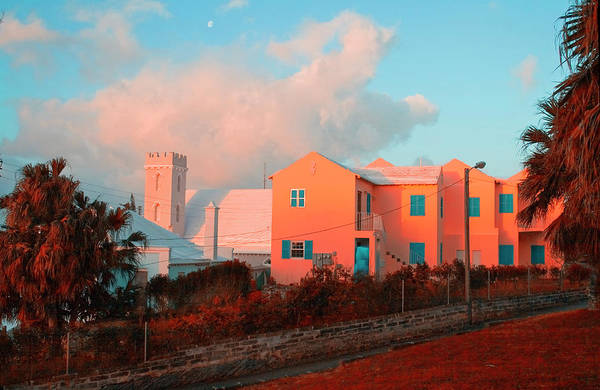 Photograph - Bermuda Colors by Tom Singleton