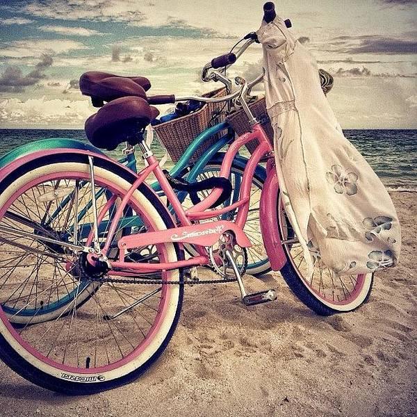 Romantic Wall Art - Photograph - Blue & Pink - Miami Beach by Joel Lopez
