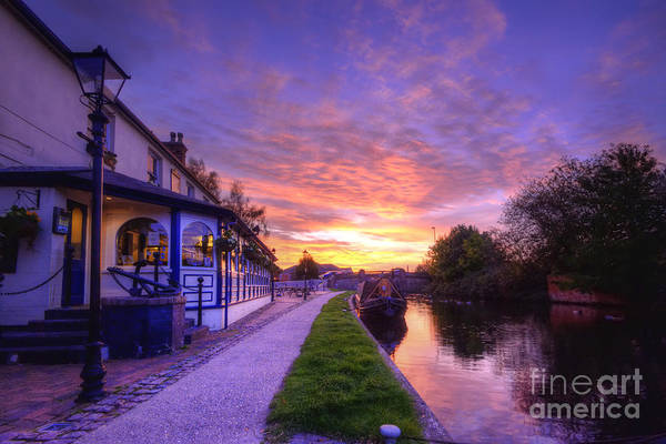Photograph - Boat Inn Sunrise 1.0 by Yhun Suarez