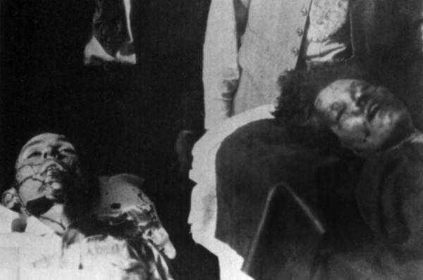 Robbers Photograph - Bodies Of Depression Era Mid-western by Everett