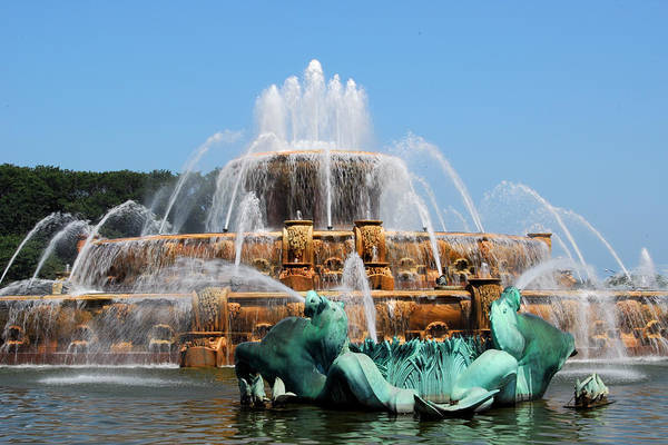 Photograph - Buckingham Fountain 2 by Lynn Bauer