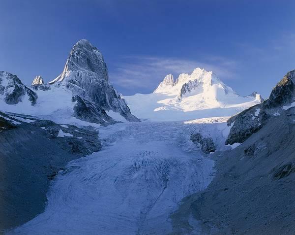 Bugaboo Photograph - Bugaboo Spire And Vowell Glacier, Canada by David Nunuk