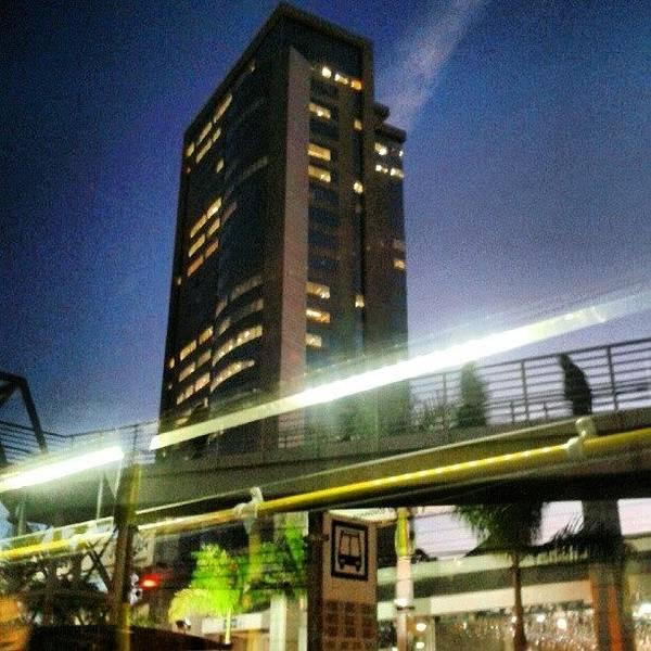 Bus Photograph - #building #bhshopping  #walking by Elis Regina Martins