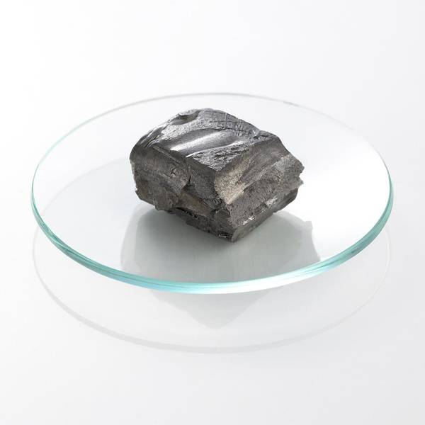 Alkaline Earth Metals Wall Art - Photograph - Calcium by