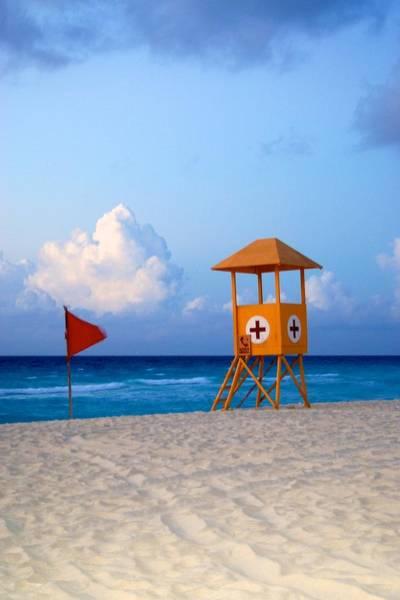 Alejandro Gutierrez Wall Art - Photograph - Cancun Lifeguard Hut by Alejandro Gutierrez