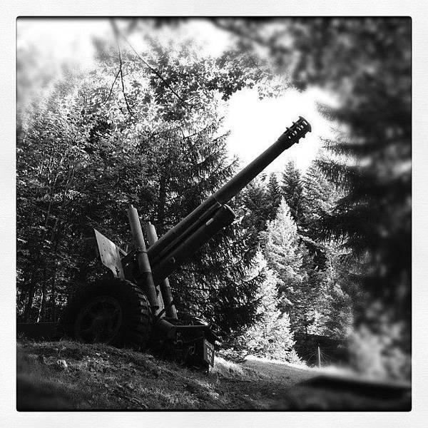 Guns Photograph - Canon D'artillerie Datant De La by Philippe Kunz
