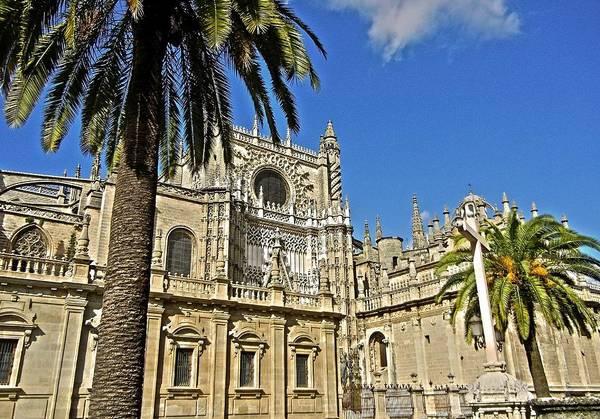 Photograph - Catedral De Santa Maria De La Sede - Sevilla by Juergen Weiss