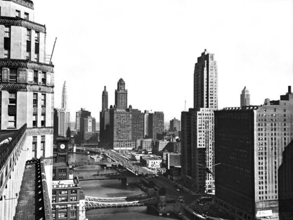 Forties Photograph - Chicago River In Chicago by Underwood Archives