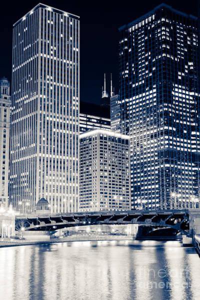Wabash Avenue Wall Art - Photograph - Chicago Unitrin Renaissance Hotel And Leo Burnett Buildings by Paul Velgos