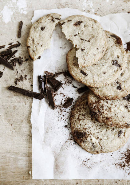 Vertical Line Photograph - Chocolate Chip Cookies On Board by Cultura/Line Klein