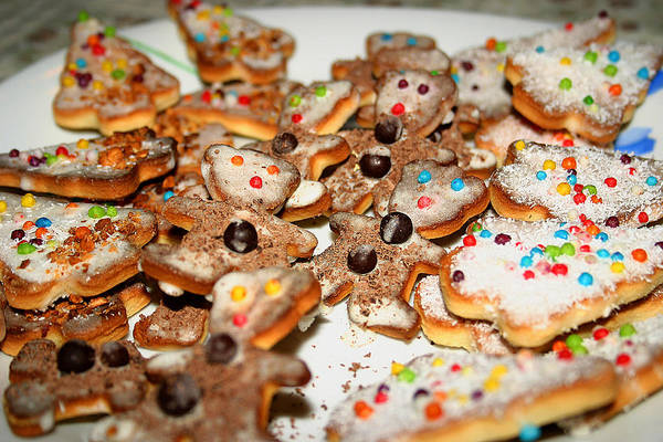 Photograph - Christmas Cookies by Emanuel Tanjala