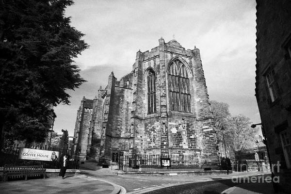Church Of Scotland Wall Art - Photograph - Church Of The Holy Rude In The Old Town Of Stirling Scotland Uk by Joe Fox