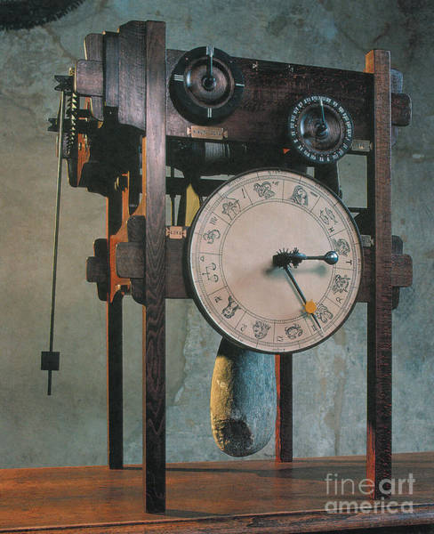 Photograph - Clock Based On Da Vinci Design by Science Source
