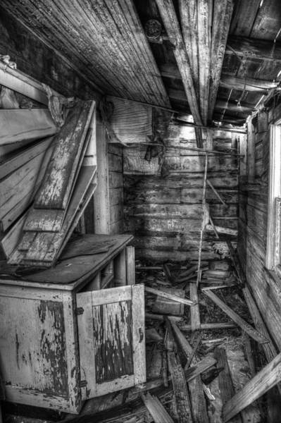 Derelict Wall Art - Photograph - Derelict House Bw by Thomas Zimmerman