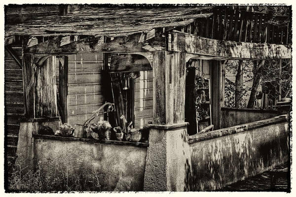 Photograph - Dilapidated House by David Patterson