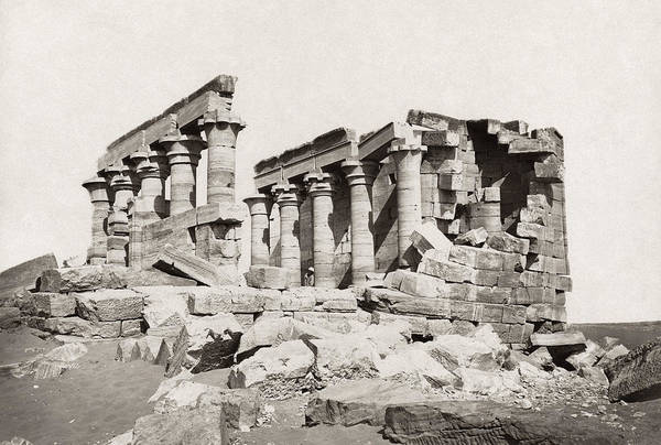 Photograph - Egypt: Temple Ruins by Granger