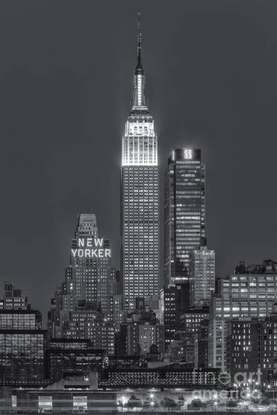 Photograph - Empire State Building Iv by Clarence Holmes