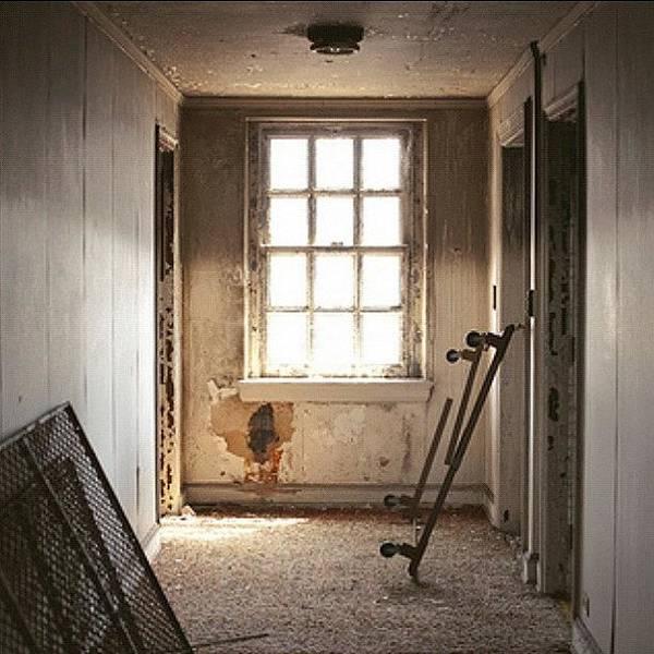Politicians Wall Art - Photograph - Empty Hallway by Thomas Jefferson Tower