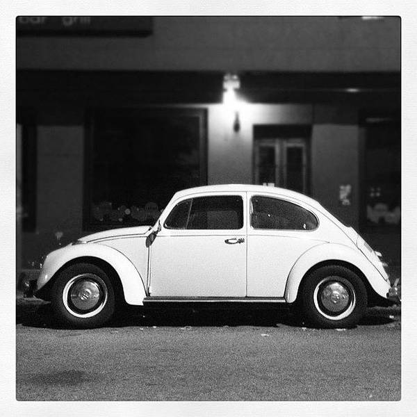 Volkswagen Wall Art - Photograph - Escarablanco by Diego Jolodenco